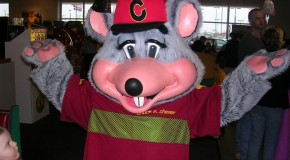 Chuck E. Cheese sees income increase in Q2