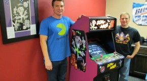 A Look At Florida's Arcade & Pinball Expo 2013 Plus Mylstar Screw Loose cabinet shown